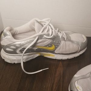 Nike Shoes - NIKE WOMENS IMPACT GROOVE SHOES SIZE 10